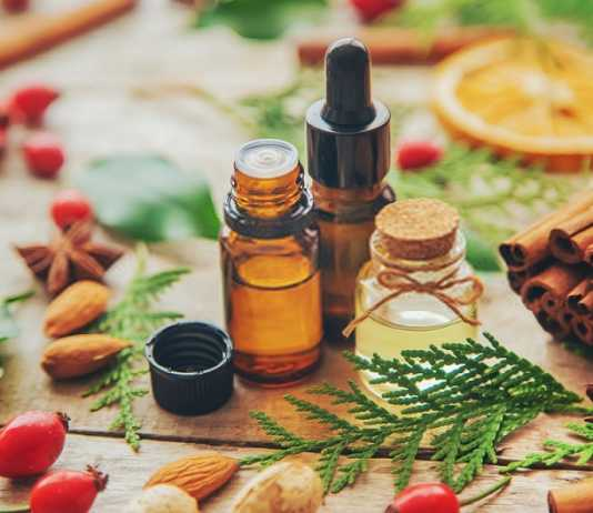 A Guide To Essential Oil Benefits - Tips To Add Them To Your Beauty Routine
