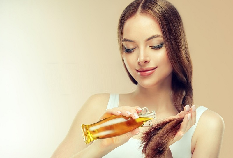 Benefits-Of-Coconut-Oil-For-Hair-Coconut-oil-against-split-ends