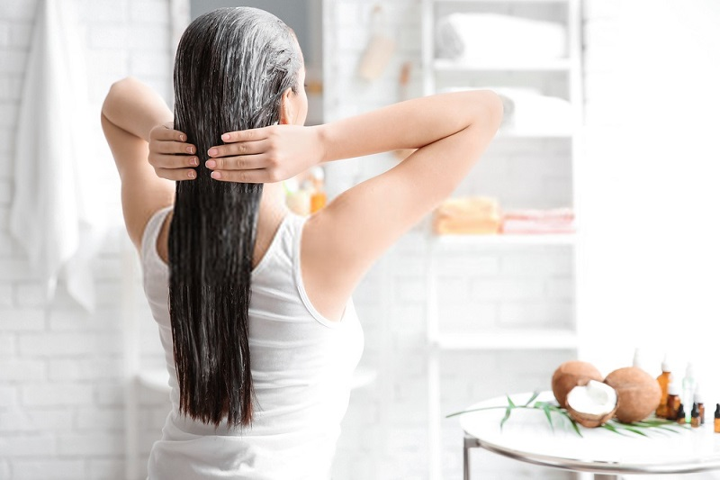 Benefits-Of-Coconut-Oil-For-Hair-Coconut-oil-as-a-hair-mask