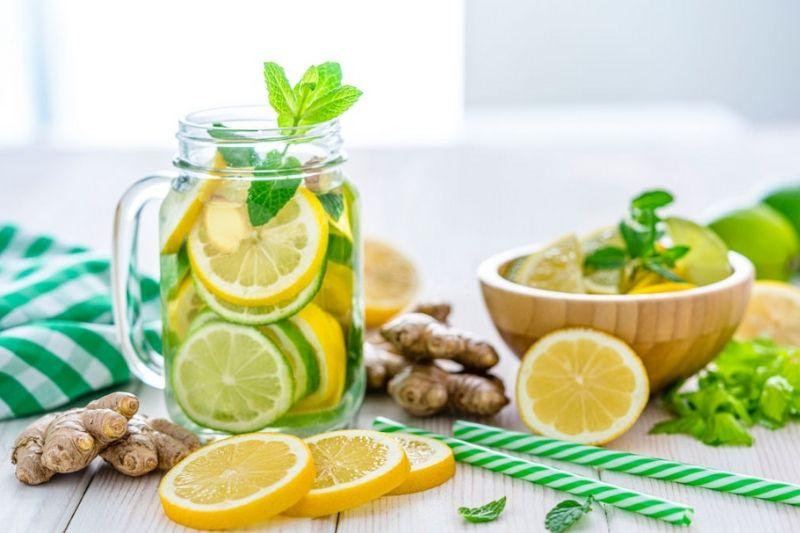 Detox-Water-For-Flat-Belly-Ginger-and-lemon-detox-water