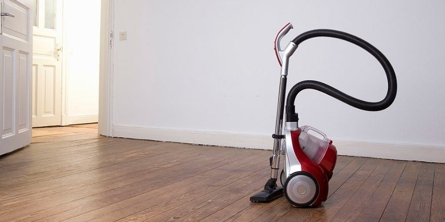 Cleaning the mattress Vacuum Cleaner