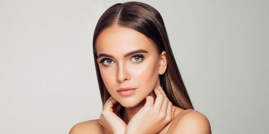 Natural and light makeup trend