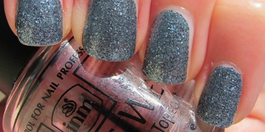 Ice effect nails trend