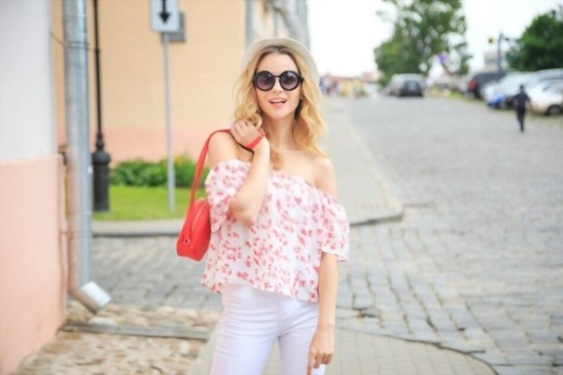 In summer, go-ahead with bare shoulders