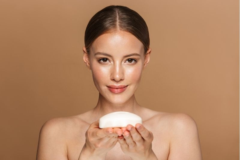 Best Soaps For Women in India - Ideal For Glowing Skin