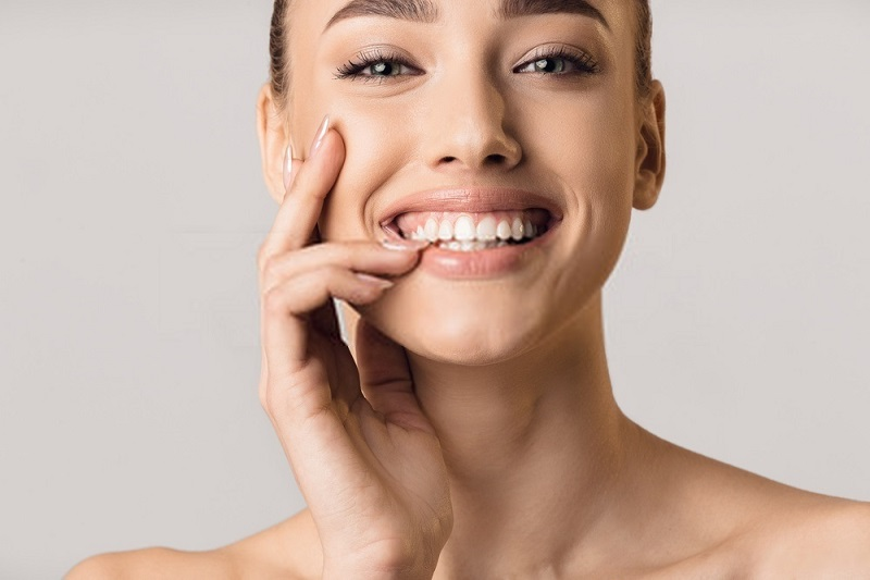 Beauty-Benefits-Of-Coconut-Oil-Coconut-oil-for-a-healthy-and-dazzling-smile