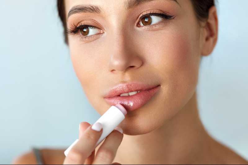 Top 10 Best Lip Balms in India 2019 – Review & Buying Guide